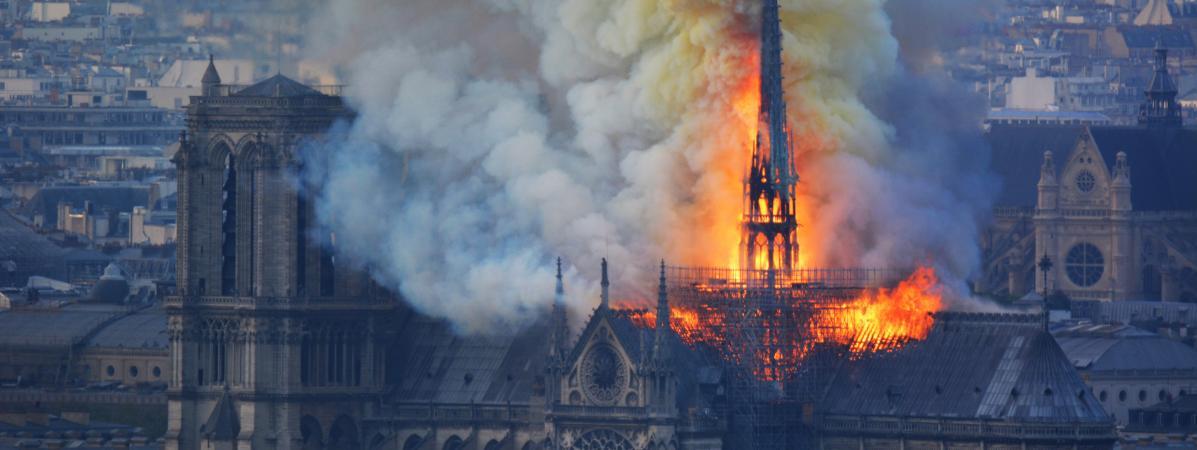 Jacques Chirac l'homme qui a stoppé le processus démocratique en Afrique à partir de 1996 sera privé des obsèques  à la Cathédrale  Notre Dame de Paris (Droit à l'éducation et au développement culturel)