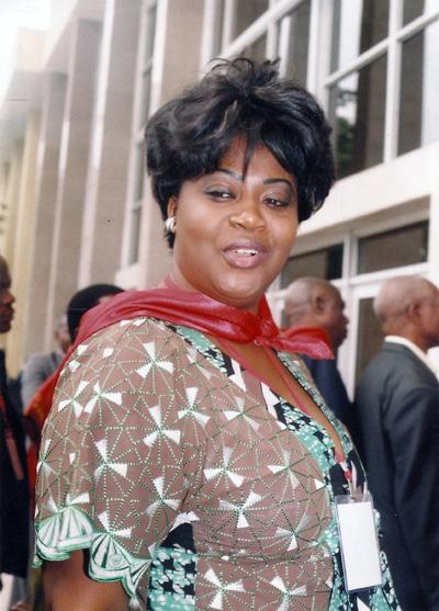 Claudia IKIA SASSOU NGUESSO l'inventeuse du charter humanitaire de luxe après la tragédie du 4 mars 2012 à Mpila, s'inscrit dans la tricherie avec l'achat des consciences (Nouvelles des ONG, INDH, organisations régionales et onusiennes)