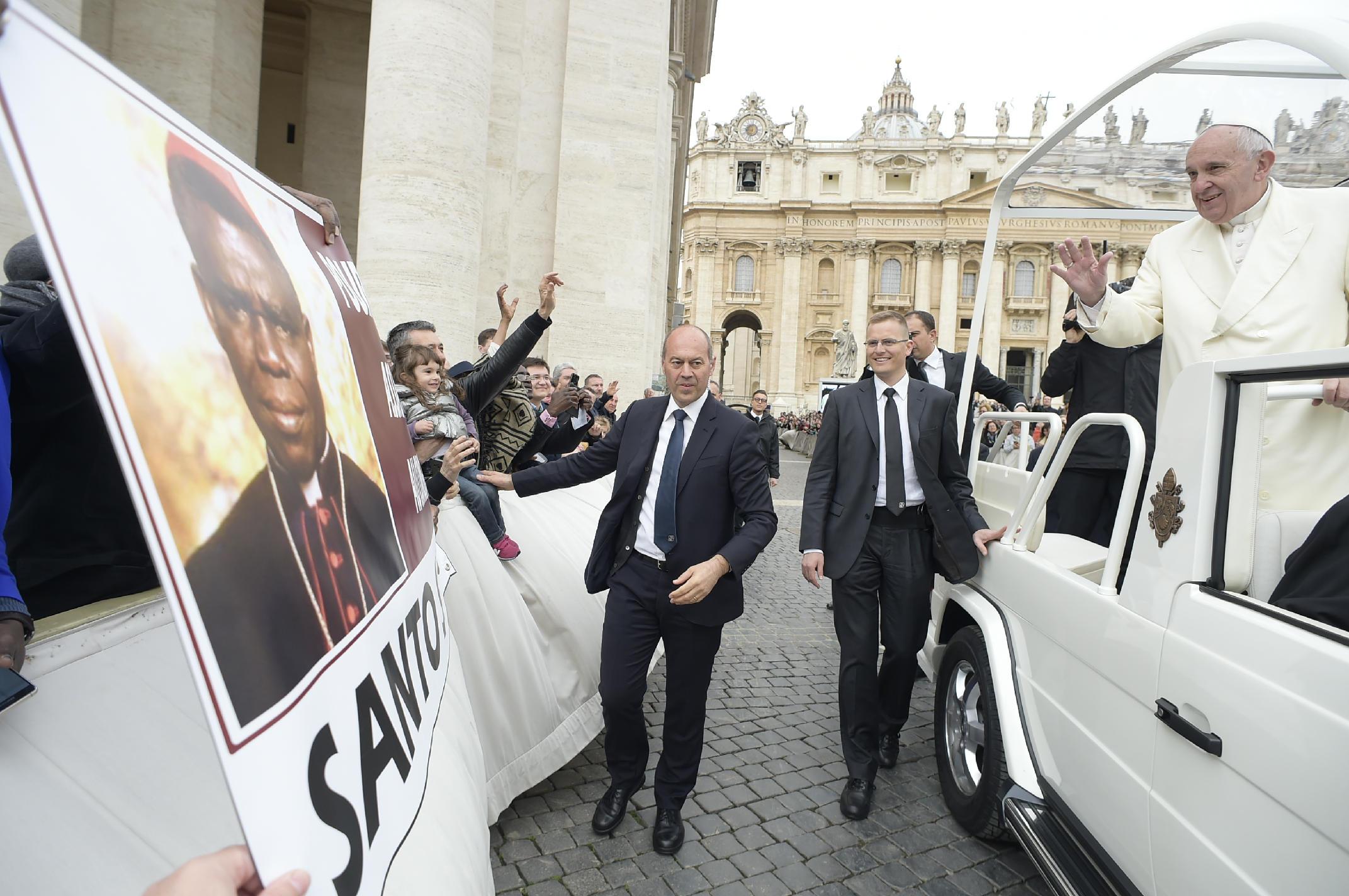 Le pape François est-il sourd aux appels des Africains qui exigent la béatification du Cardinal Emile Biayenda assassiné par Sassou Nguesso en mars 1997 (Actualités)