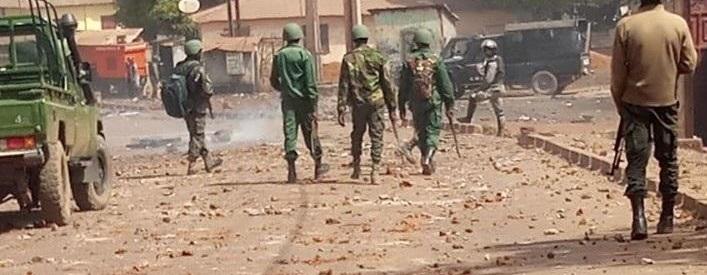 Plusieurs morts en Guinée dans de violentes manifestations contre le troisième mandat d'Alpha Condé (Violations des Droits de l'Homme en Afrique et dans le monde)