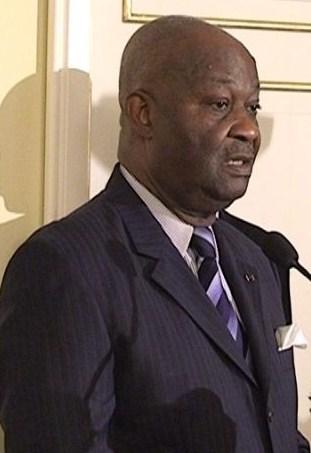 Yoka Aimé Emmanuel; Ministre de la justice et des droits humains peut-il être fier de se faire élire dans des conditions frauduleuses? (Violations des Droits de l'Homme en Afrique et dans le monde)